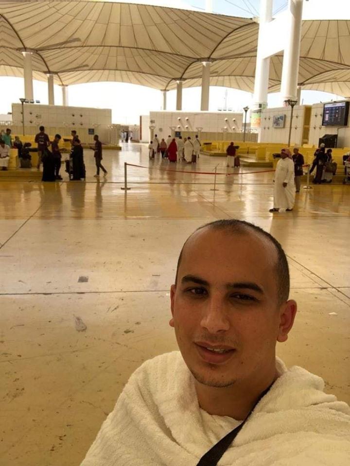 تهنئة بالعمرة من محمد عصام زعرب ووالدته