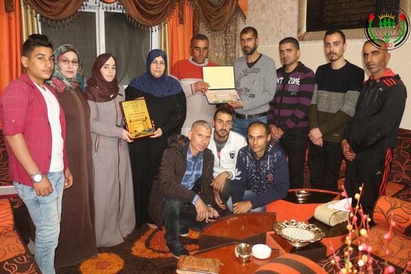 بالصور زيارة إدارة وأسرة موقع عائلة زعرب لبيت الأسير أسعد زعرب لتهنئتهم بشهر رمضان المبارك